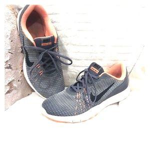 Nike ▪️Training Flex TR7 - SZ 7